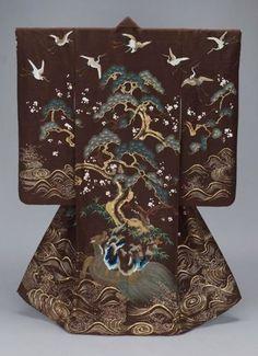 meanderingwind:    omgthatdress: 19th century uchikake via The Museum of Fine Arts, Boston