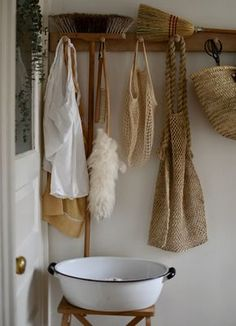 Eco-conscious Cleaning and Homecare via Homesong » simple things done with care