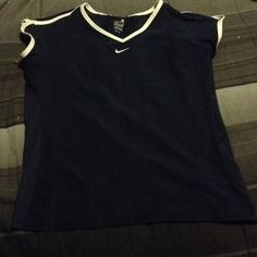 Nike fit dry navy blue white size medium top Sleeveless good condition Nike Tops Tees - Short Sleeve