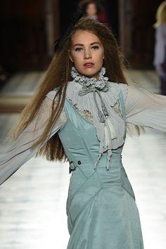 Paris Runway Shows Julien Fournié, Haute Couture Designers, Runway Fashion, High Neck Dress, Dresses, Style, Parisians, Fashion Ideas, Fashion Show