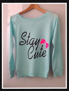 This would look really cute with pink skinny jeans and a pink bow. Cute Sweaters, Cute Shirts, Cute Fashion, Teen Fashion, Rockabilly, Pretty Outfits, Cute Outfits, Blazers, Hipster