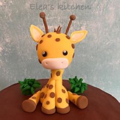 Sugarpaste baby giraffe Fondant Giraffe, Giraffe Cakes, Safari Cakes, Fondant Animals, Fondant Cake Toppers, Fondant Figures, Fondant Cupcakes, Cupcake Toppers, Wedding Cakes With Cupcakes