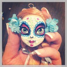 Sugar Skull Doll Head Keychain Day of the Dead by STAROSECREATIONS