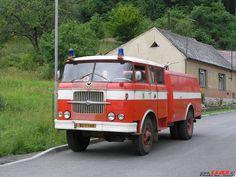 Řada RT: Hasičské vozy Ambulance, Old Trucks, Fire Trucks, Beast From The East, Truck Engine, Fire Apparatus, Fire Engine, Firefighters, Police Cars