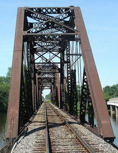 ˚Tracks heading south towards Toledo, Ohio