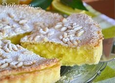 Torta della nonna con crema al limone- Gramma's Lemon Cream Tort! 13 Desserts, Italian Desserts, Italian Recipes, Delicious Desserts, Yummy Food, Italian Entrees, Sweet Recipes, Cake Recipes, Dessert Recipes