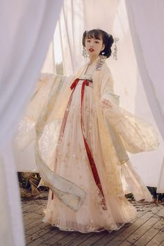 Traditional Fashion, Traditional Dresses, Japanese Wedding Kimono, Anime Girl Dress, Dynasty Clothing, Hanfu, Cheongsam, Chinese Clothing, Fantasy Dress