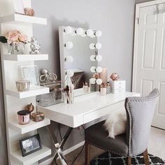 Vanity room ideas makeup vanity decor ideas vanity room decorations throughout vanity room decor ideas interior: Sala Glam, Vanity Room, Teen Vanity, Vanity Decor, Bedroom Vanities, Mirror Bedroom, Vanity Set Up, Mirror Vanity, White Vanity Desk