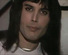Just beautiful xx Freddie Mercury Quotes, Queen Freddie Mercury, Brian May, John Deacon, High Cheekbones, Roger Taylor, Somebody To Love, Queen Band, Killer Queen