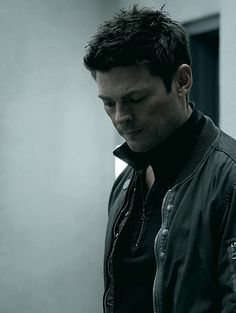 (Tumblr) Karl Urban as Det. John Kennex in Almost Human - moody, brooding and hot hot hot.