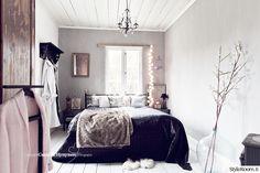 """""""lillakamomilla"""":n romanttinen makuuhuone on ihanan herkkä värimaailmaltaan. #styleroom #inspiroivakoti #makuuhuone"""