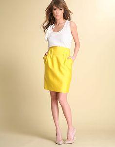 Since yellow skirts seem to be a trending pin tonight! @RaKia Harris @Melanie Carpenter