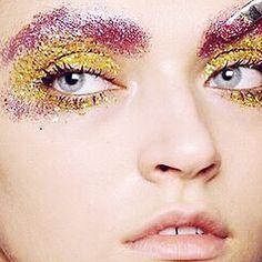 #stardust  #peekaboo #vintage #asosmarketplace #topshop #fashion #style #beauty #glitter #candy #sparkle ###makeup #festive #party #beautyinspo #love #model #peekaboovintage  Peekaboovintage.com