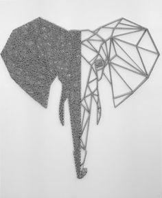 "Elephant ""String art"" de 110 x 80 cm sur fond en cuir blanc by DIMENSYON"