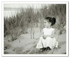 Improving Your Photography - Tips To Get Better Pictures! There are more aspects to producing quality photos than sharpness and lighting. Photography really is an art form. Kids Beach Photos, Beach Pictures, Toddler Photos, Beach Images, Toddler Beach, Beach Kids, Beach Portraits, Family Portraits, Beach Photography