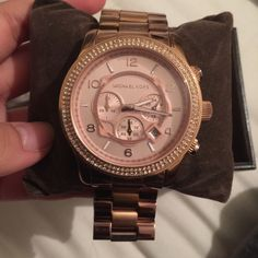 Limited edition Rose gold Michael Kors watch Limited edition Rose gold Michael Kors watch. Comes with additional links. Battery is not working :( Michael Kors Accessories Watches