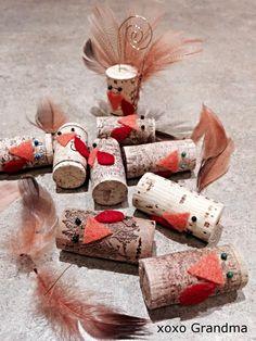 xoxo Grandma: Turkey Name Card Holders - Recycle Cork Project Wine Cork Art, Wine Cork Crafts, Wine Bottle Crafts, Wine Corks, Wine Cork Projects, Diy Craft Projects, Diy Crafts For Kids, Craft Ideas, Thanksgiving Crafts