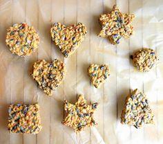 in plaats van koekjes voor onszelf, koekjes voor de vogels bakken.