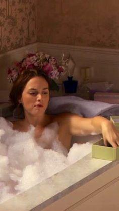 Blair Waldorf Bath U0026 Macaroons Season 4 Gossip Girl   The Life