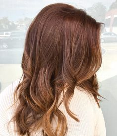 25 Best Auburn Hair Color Shades of 2020 Are Here - 25 Best Auburn Hair Color I. - 25 Best Auburn Hair Color Shades of 2020 Are Here – 25 Best Auburn Hair Color Ideas for 2019 – - Brown Auburn Hair, Hair Color Auburn, Brown Hair With Highlights, Brown Hair Colors, Redish Brown Hair, Short Auburn Hair, Reddish Brown, Hair Lights, Light Hair