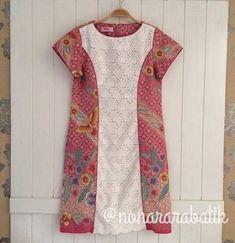 50 Trendy Ideas For Dress Brokat Kombinasi Batik Vintage Style Dresses, Trendy Dresses, Cute Dresses, Fashion Dresses, Blouse Batik, Batik Dress, Dress Batik Kombinasi, Dress Brokat, Batik Kebaya