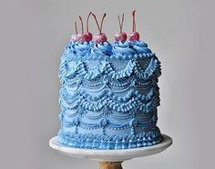 Pretty Birthday Cakes, Pretty Cakes, Beautiful Cakes, Amazing Cakes, Beautiful Cake Designs, Pastel Cakes, Cute Baking, Think Food, Cute Desserts