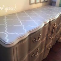 French Linen and Coco mix | Chalk Paint® by Annie Sloan | Verdigreen | Royal Designs stencil Moroccan Trellis |