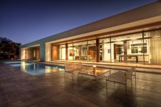 Casa do Lago / Max Strang Architecture
