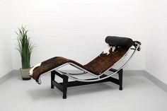 Cassina Le Corbusier LC4 Liege Le Corbusier, Charlotte Perriand, Pierre Jeanneret, Bauhaus, Outdoor Furniture, Outdoor Decor, Sun Lounger, Couch, Sofa