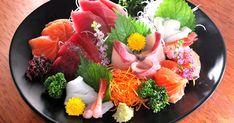 パックの刺身を豪華な皿盛りにする方法--鮮魚店店主がコツを解説! - トクバイニュース Sushi Bar Design, Food Design, My Sushi, Sushi Art, Home Recipes, Asian Recipes, Ethnic Recipes, Fancy Food Presentation, Japanese Food Sushi