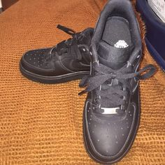 c3741632b516a Boys Nike Uptowns Black Nike Uptowns... In great condition worn a few times