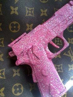 Pink, glitter and weapon picture - h o t a s f - . Pink, glitter and weapon picture - h o t a s f - # Weapon image You are in the right place about wallpaper rosa whatsapp Here we offer you the most b Badass Aesthetic, Boujee Aesthetic, Bad Girl Aesthetic, Aesthetic Collage, Aesthetic Vintage, Aesthetic Pictures, Fille Gangsta, Gangsta Girl, Bedroom Wall Collage