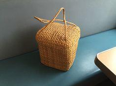// straw bucket bag