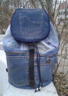 feeffb6f7b27d Ähnliche Artikel wie Einzigartige Patchwork Upcycled Eco Jeans Denim  Rucksack Sailor Bag Taschen mit Klappe auf Etsy