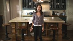 I love Spencer Hastings's kitchen in Pretty Little Liars. Black cabinets on a taupe subway tile back splash.
