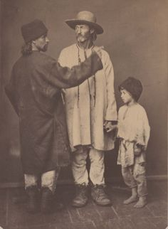 Bessarabia, peasant of Chocim county and Sorok county (with his son) ; photo  Michał Greim, Michał Grejm (ur. 15 września 1828 w Żelechowie, zm. 15 stycznia 1911 w Kamieńcu Podolskim)