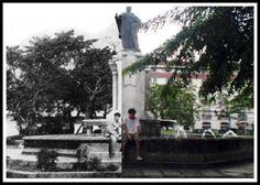 Plaza de Roma, Intramuros, Manila then and now photo Then And Now Photos, Intramuros, Spanish Culture, How To Speak Spanish, Filipina, Manila, Philippines, The Past, History