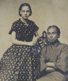 Fukuzawa Yukichi with the girl of the photo studio