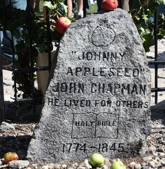 johnny appleseeds grave monument, Fort Wayne, Indiana