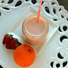 Manila Spoon: Strawberry Banana and Orange Smoothie