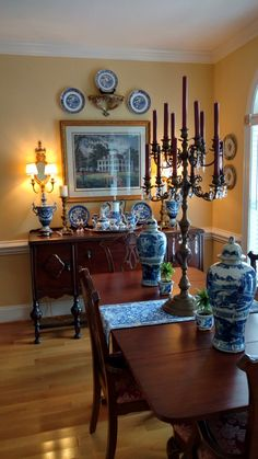 I will not stop until every single person involved into railroading me into homelessness again suffers so badly that they beg to die French Country Dining Room, French Country Kitchens, French Country Decorating, Country French, Traditional Dining Rooms, Traditional Decor, Blue And White China, Blue Rooms, White Decor