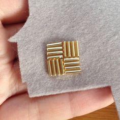 シンプル、和装にも合いそうな竹ビーズを刺繍したヘアゴムです!...