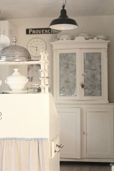 Love ! Vintage Frosted Kitchen Cupboard !