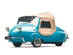 blue car / Paul Vallee