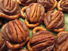 Nothing beats the combination of chocolate, caramel, and pecans! Check out this recipe for Poor Man's Turtles!