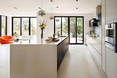 Spacious contemporary kitchen - Kitchen Design Ideas (houseandgarden.co.uk)