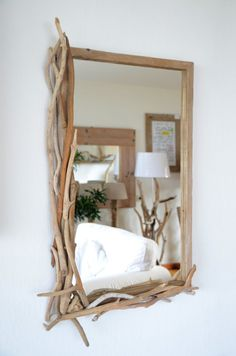 Driftwood mirror for the perfect of manunatura on Etsy - Spiegel ♡ Wohnklamotte - Home Projects, Home Crafts, Diy Home Decor, Room Decor, Driftwood Mirror, Diy Mirror, Driftwood Projects, Branch Decor, Diy Décoration