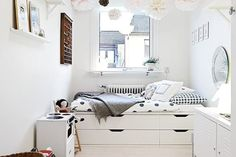 6 DIY Ways to Make Your Own Platform Bed with IKEA Products | Apartment Therapy