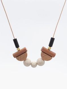 STUDY n.14 // Speckled stoneware and wood necklace