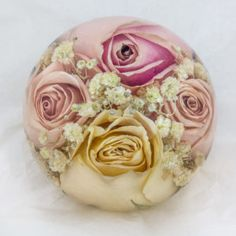 Flower Preservation Workshop preserve your wedding flowers in paperweight keepsake. The perfect way to create a stunning memento of your special day.